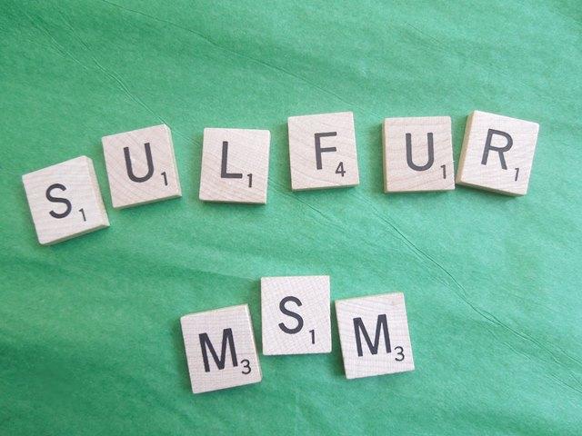 Метилсулфонилметан (MSM) е органичен източник на сяра, който е важен за поддържане и подхранване на ставите.