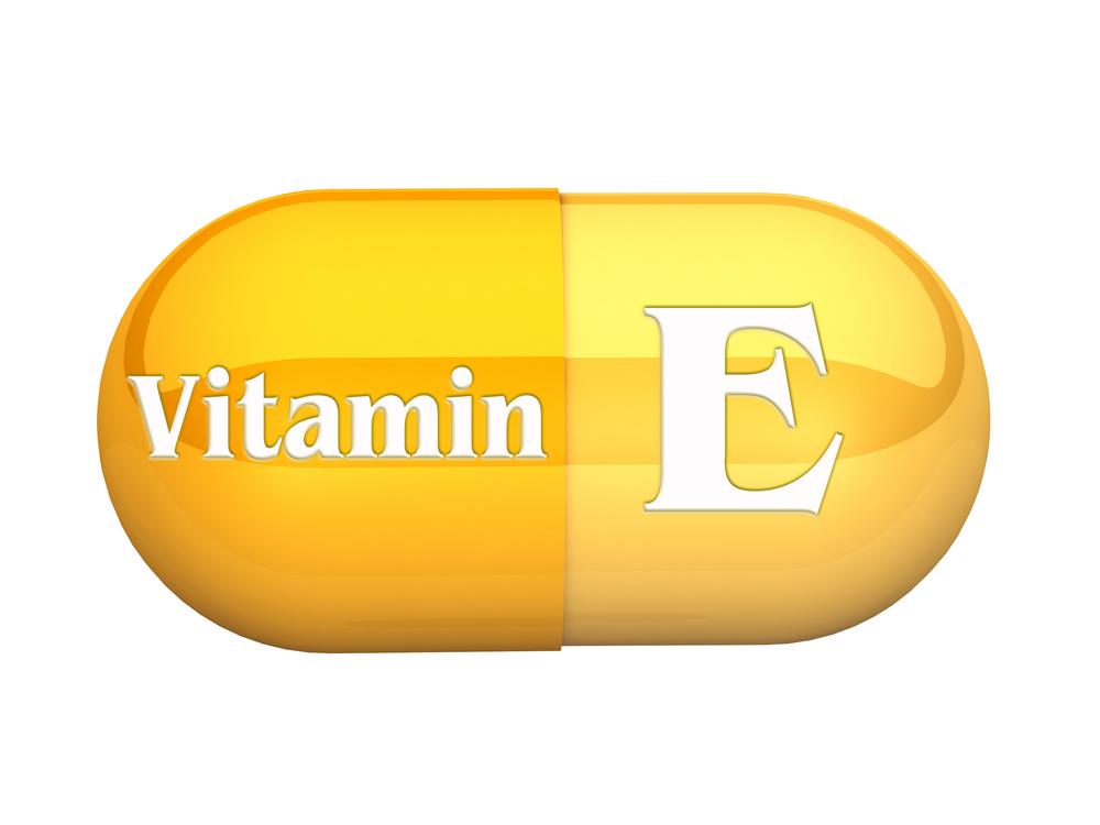 Хранителната добавка на 21st Century съдържа 100 IU Vitamin E (as dl-Alpha Tocopheryl Acetate) – един от най-мощните антиоксиданти, способен да предпази клетките и органите в тялото от увреждане.