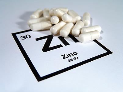 Цинкът влиза в състава на голям брой ензими и други протеини, важни за човешкото тяло
