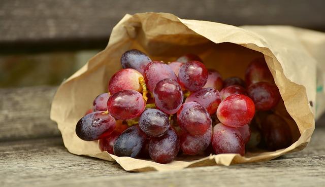 Doctor's Best French Red Wine Extract подкрепя здравето на сърцето.