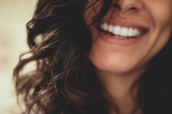 Doctor's Best Best Vegan Vitamin D3 2500 IU заздравява костите и зъбите.