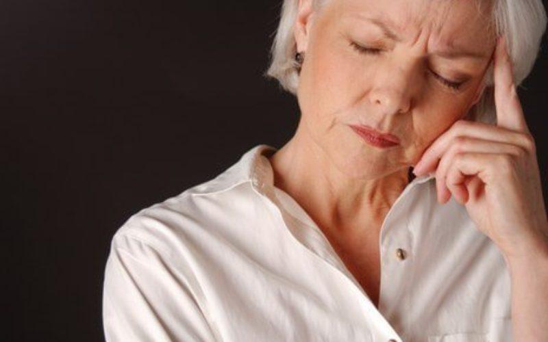 Doctor's Best Menopause Spectrum With Estrog-100 помага при прилив на вълни в периода на менопауза и предпазва от остеопороза