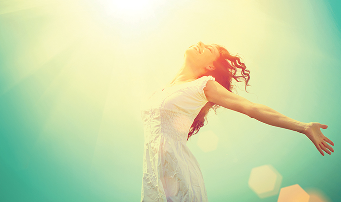 """Витамин D (калциферол) наричан още """"Витамин на слънцето"""" е мастноразтворим и зарежда с енергия."""