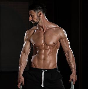 Creatine Monohydrate от Dymatize увеличава мускулатурата и силите.