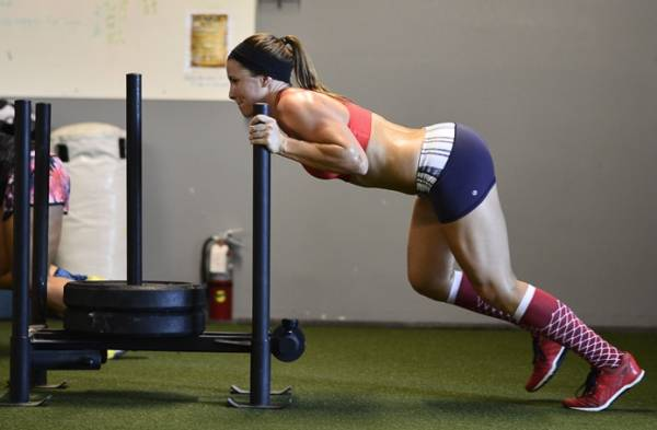 Amino Decanate от Musclemeds на топ цена повишава силите и издръжливостта.