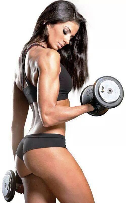 Combat 100% Isolate от MusclePharm е на топ цена повишава аминокиселинните нива в кръвоносната система