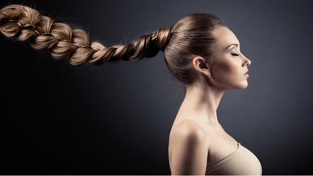 Natrol Biotin спира косопада и стимулира растежа на коса.