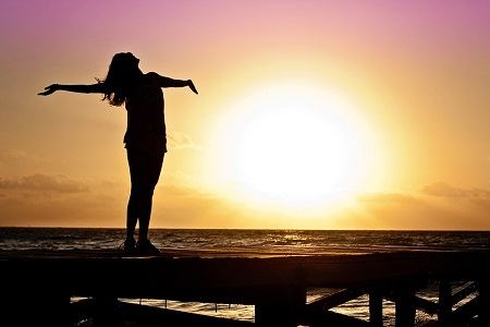 Natrol Immune Boost подобрява настроението.