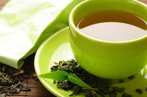 Now Foods Theanine съдържа екстракт от зелен чай без кофеин.