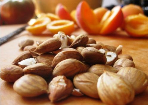 PDM Pharmaceuticals ULTRA B17 (Vitamin B17) 100 mg 50 capsules повишава имунитета и има противоинфекциозно действие