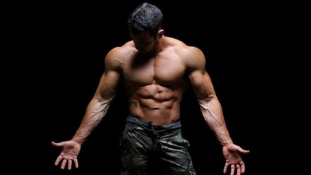 PRIMAFORCE AAKG напомпва мускулите и ускорява мускулното изграждане.