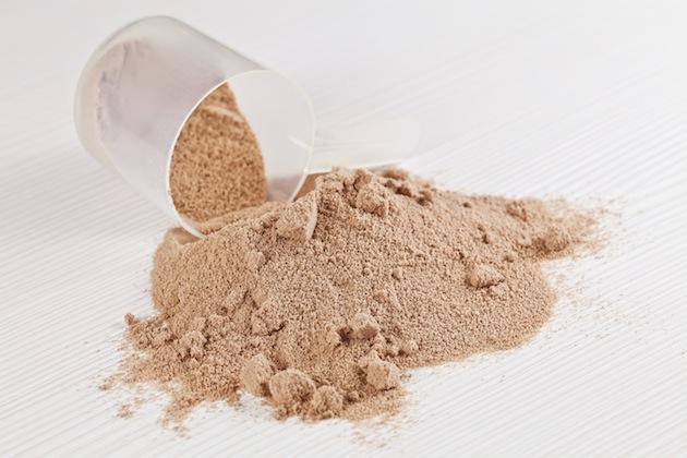Whey Isolate на страхотна цена ни доставя голямо количество от есенциалните BCAA аминокиселини левцин, изолевцин и валин.