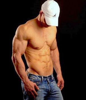 Universal Nutrition Animal M-Stak 21 packs помага за уголемяването на мускулите и за трансформирането на хранителните вещества в мускулна маса
