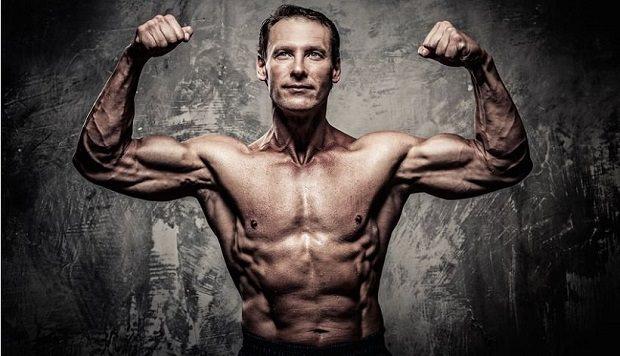 Animal Stak на Universal Nutrition помага за развиването на всички мускули и прави тялото пропорционално