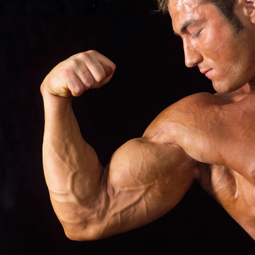 Universal Nutrition Shock Therapy увеличава мускулната маса и силите