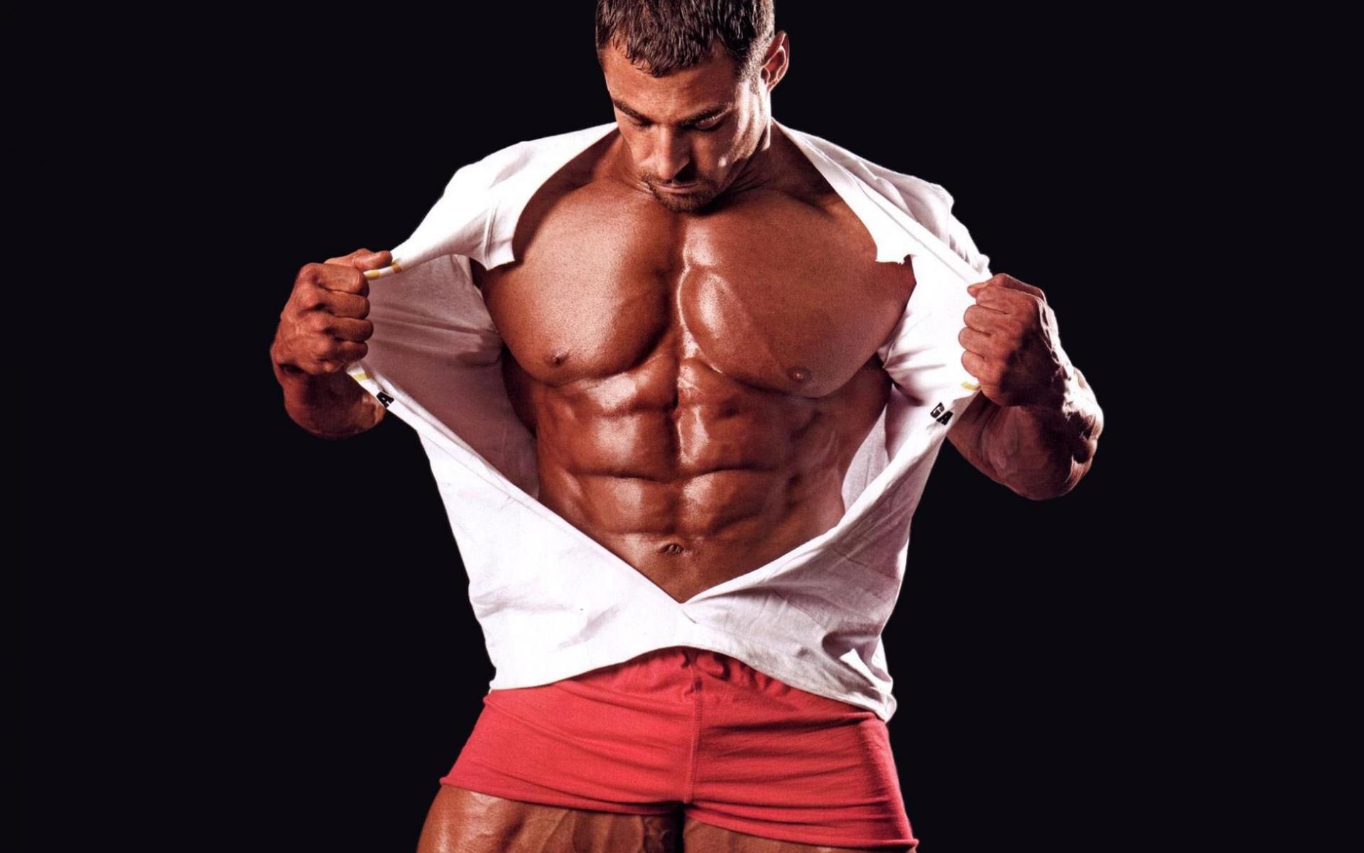 Universal Nutrition Storm помага за уголемяването на мускулите бързо и ефективно