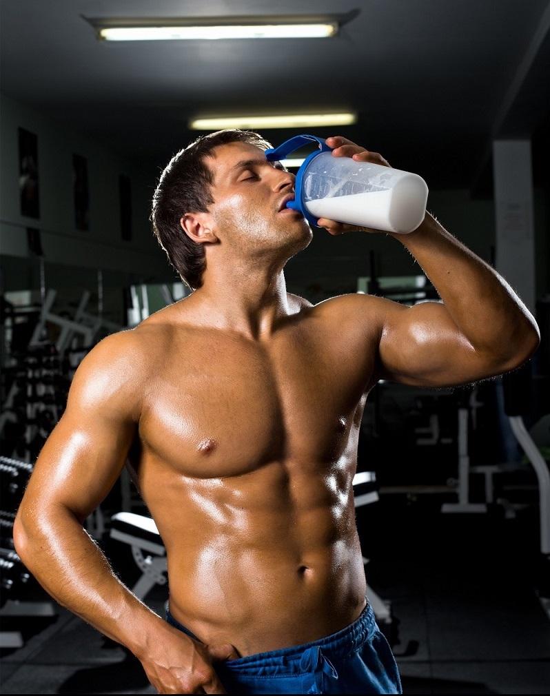 Protein 80 plus на Weider ви помага да се възстановите по-бързо след тежка тренировка.